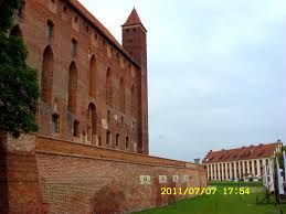 Znalezione obrazy dla zapytania Lębork  Zamek krzyżacki rekonstrukcje