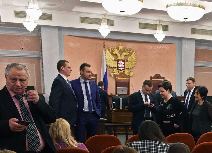 Høyesterett i Russland mener Jehovas vitner er ekstremistisk og har besluttet å forby organisasjonen og dens over 170.000 medlemmer i landet å drive sin virksomhet.