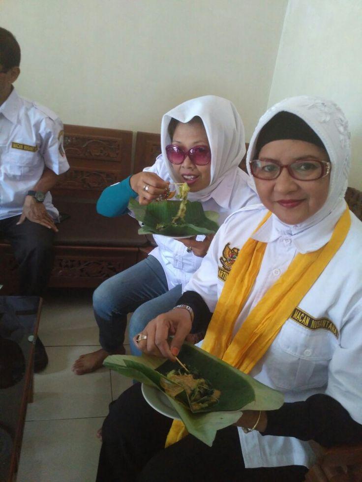 Menikmati Pecel Kesturi menu dari eyang Putri bapak Tommy Soeharto