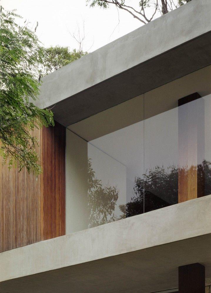 Remarco de hormigón, combinacion materiales   BR House / Marcio Kogan (Studio MK27)