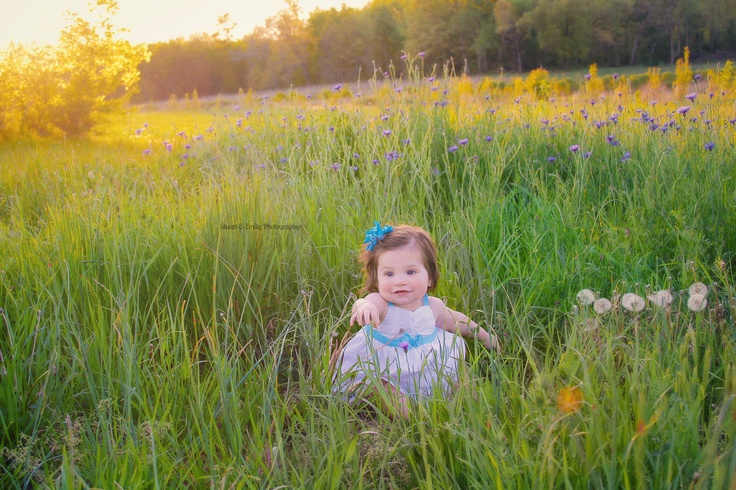 Stuart & Emily Photography *Family Photoshoot *Baby in a field of grass *Children's Photoshoot
