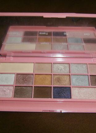 Kup mój przedmiot na #vintedpl http://www.vinted.pl/kosmetyki/kosmetyki-do-makijazu/12496913-paletka-makeup-revolution-i-heart-chocolate-pink-fizz