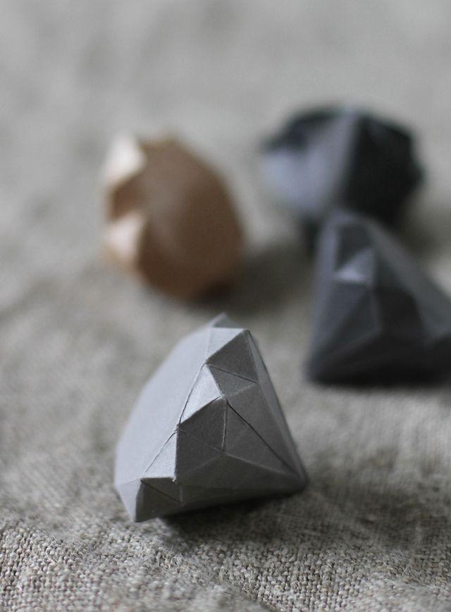 #diamant #papier #pliage #origami #DIY #decoration #deco #mariage #wedding #idées #ideas --- DIY: paper diamonds