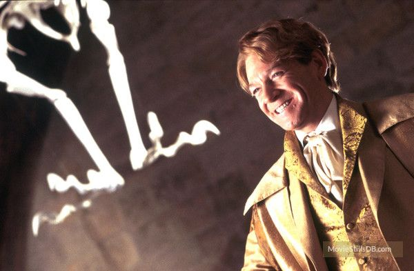 Harry Potter And The Chamber Of Secrets Publicity Still Of Kenneth Branagh Funny Character Harry Potter Films Harry Potter