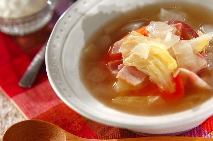 ヨーグルトの水きりで出る「ホエー」は美容効果絶大の優秀食品! 野菜は大きめに切って甘みが出るように煮込みましょう。ホエー入りのたっぷり野菜スープ[洋食/シチュー・スープ]2015.02.23公開のレシピです。