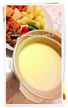 楽天が運営する楽天レシピ。ユーザーさんが投稿した「簡単!プチ土鍋deチーズフォンデュ」のレシピページです。100均の1人用土鍋が大活躍!!とろ~り美味しいチーズフォンデュが、お家にある材料で出来ちゃいます♪。チーズフォンデュ。溶けるタイプのチーズ(ピザ用など),牛乳,片栗粉,ヨーグルト,塩,~具材~お好みで♪,今回の例:プチトマト,あらびきウインナー,ジャガイモ(蒸したもの),から揚げ