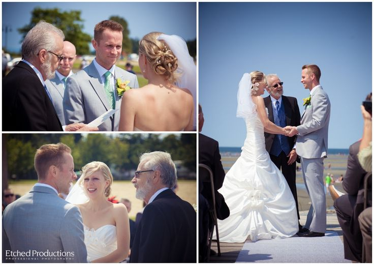 Parksville Beach Wedding Ceremony. Photographed by Nanaimo Wedding Photographer, Chuck Hocker of Etched Productions.