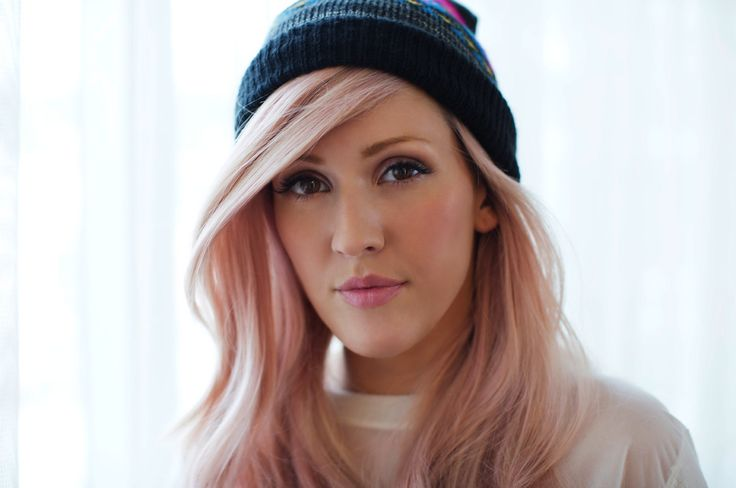 Ellie Goulding Shares Her Tour Makeup Routine! | Lovelyish