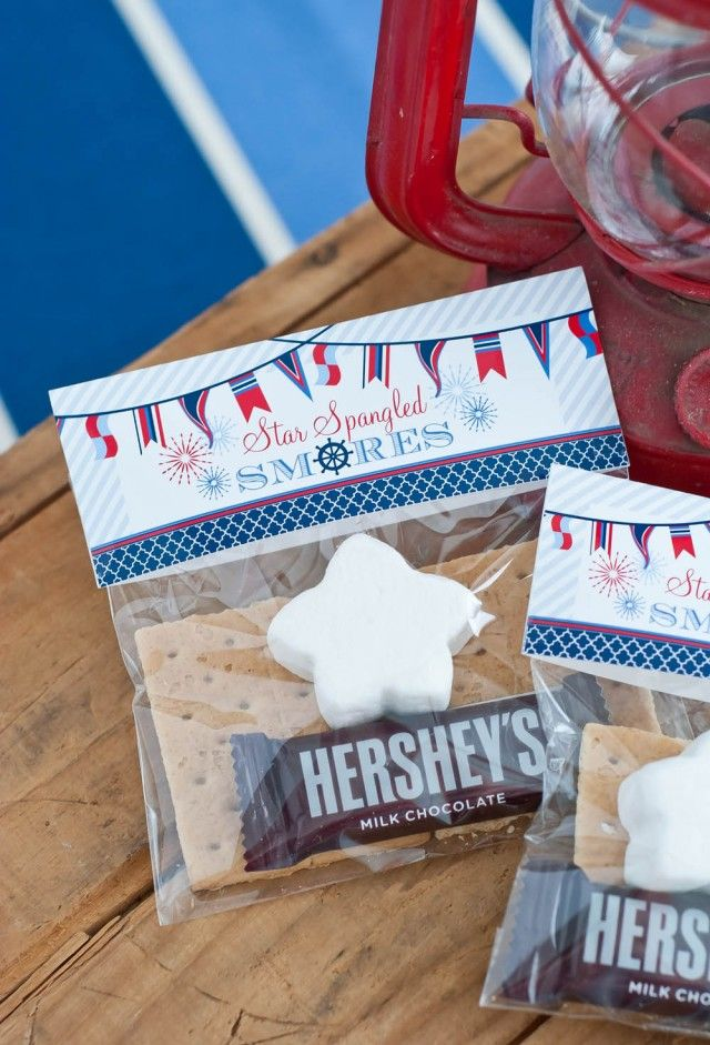 """4th of July S'mores Kit using printable """"Star Spangled S'mores"""" Bag toppers by Anders Ruff"""