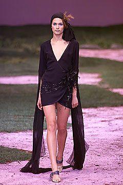 Ungaro Couture Spring 2001 Couture Fashion Show - Emanuel Ungaro, Lindsay Frimodt