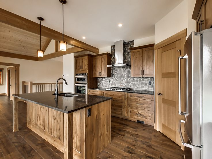 Engineered Hardwood Floors Natural Alder Cabinets Stainless Steel Appliances Slate Tile