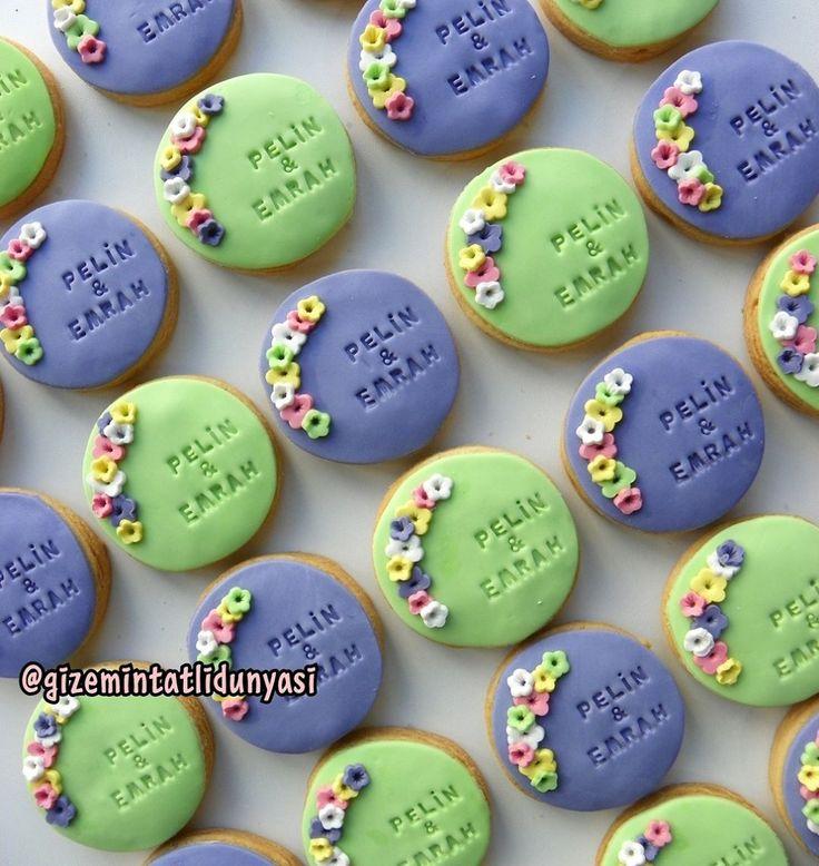 """138 Beğenme, 6 Yorum - Instagram'da Butik Pasta / Kurabiye (@gizemintatlidunyasi): """"Pelin & Emrah#nişankurabiyesi #engagementcookies"""""""
