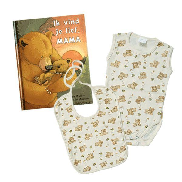 Leuk pakketje: La Petite Couronne rompertje en slabbetje 3-6 maanden en een boek 'Ik vind je lief, mama'. Voor maar €11,50 inclusief verzendkosten! #romper #slab #boek