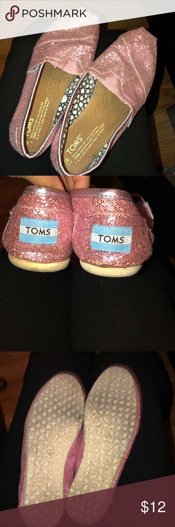 TOMS, Pink Glitter  (US SIZE W 7) Glittery pink TOMS. Supper cute and comfy. Toms Shoes Slippers