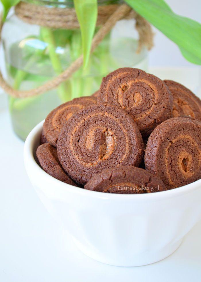 chocolate peanutbutter swirl cookies - chocolade-pindakaas swirl koekjes - Laura's Bakery