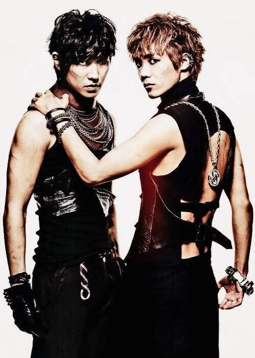 I wonder.... Vamps? Brothers or friends? Agents or rebels? Love interest or not? Why do I find men like this attractive?!