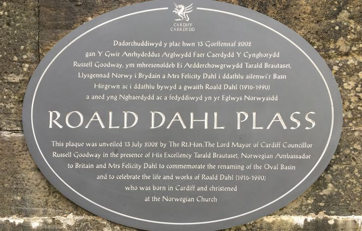 Welsh slate commemorative plaque with deeply engraved letters and border, hand painted with white enamel. Email info@stonesign.com or Visit www.stonesign.com #Stonesign #stonsignco #housesign #slate #welshslate #roalddahl #sign #home #plaque #stone #natural #engraving #calligraphy #design #bespoke #wales #cardiff #buywelsh