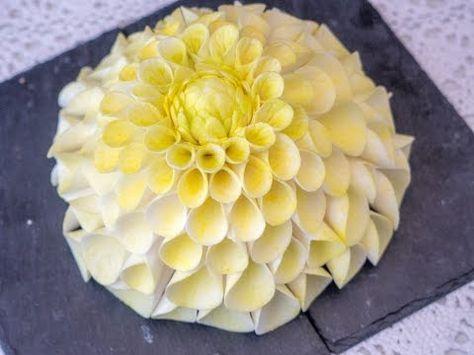 Dahlie aus Blütenpaste