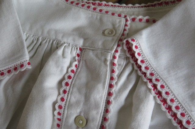 """c1910 benutzt """" Bauern Winter Nachthemd Hemd Kleid """" Baumwolle/Flanell """" Monogramm K.J. - JK """" rote Bordüre """" Größe ca. 40 - 44 von Linenandtextiles auf Etsy"""