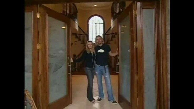 Chad Kroeger on Mtv Cribs Smooth