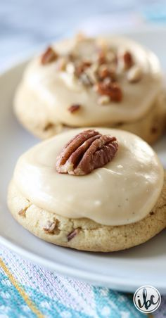 Brown Sugar Pecan Cookies - Fall Cookie Recipe Ideas | inspiredbycharm.com
