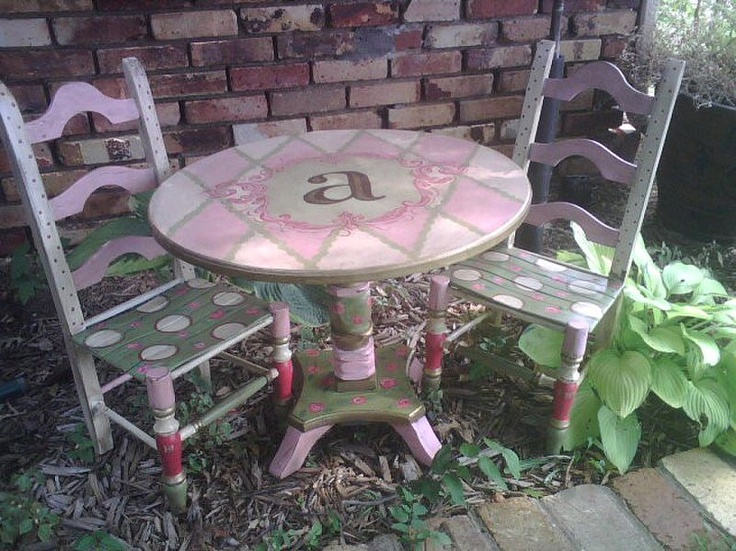 Hand Painted Furniture ~ Childs Table And Chair Set ☆