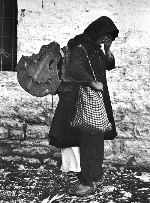 Epirus Woman (by Frédéric Boissonnas, 1913)..