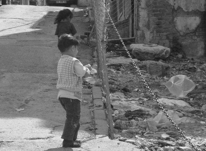 Uçurtmamı vurmasınlar... Kestelli İzmir Turkey Photo by Sevil Nazan Keskin