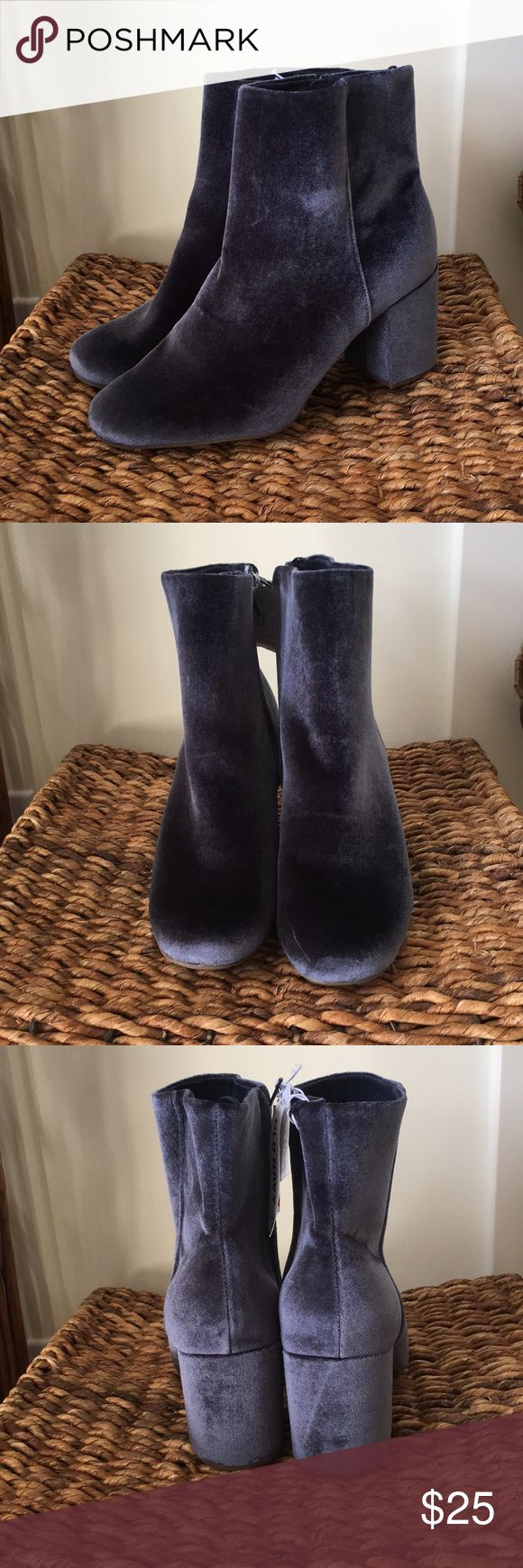 """Super amazing denim blue velvet booties w/3"""" heels These amazing Velvet booties have a 3 inch chunky heel with a zippered side for easy on and off. They are lined in a darker denim blueAnd look amazing with your favorite skinny jeans, skirts, or dresses. Old Navy Shoes Ankle Boots & Booties"""