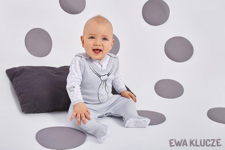 EWA KLUCZE, kolekcja CLASSIC BABY, szary śpioch dla chłopczyka, kaftanik w gwiazdki, ubranka dla dzieci, EWA KLUCZE, CLASSIC BABY collection, grey baby boy, jacket, baby clothes