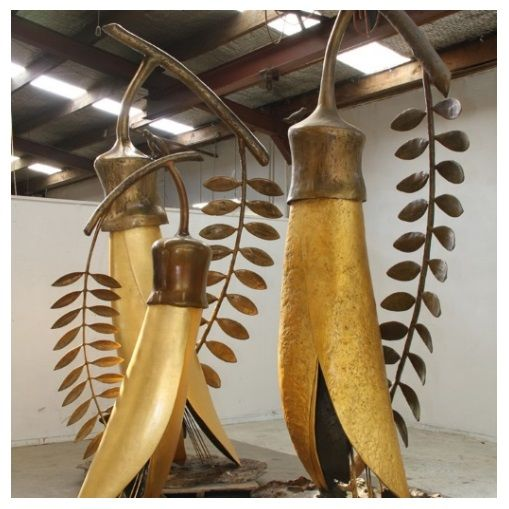 'The Gold of the Kowhai' (cast bronze, gilded in 24-carat gold) by Paul Dibble with Master Gilder, Angela Kells.