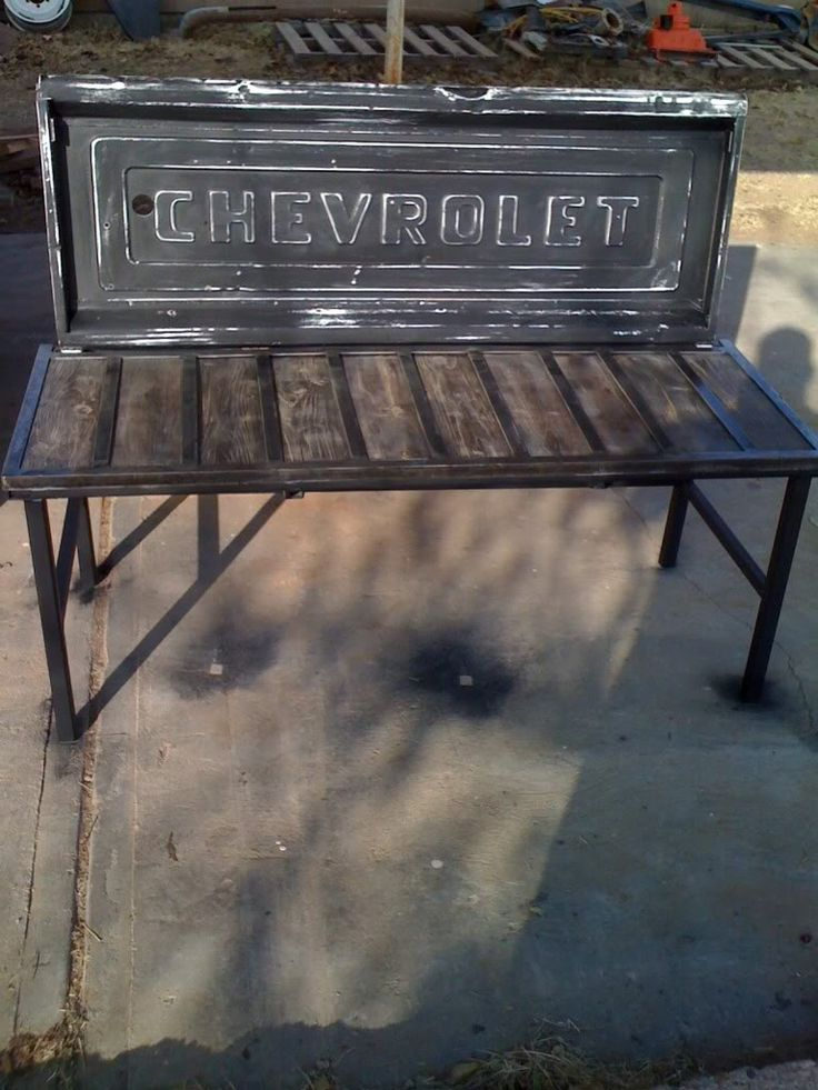Tail gate bench.