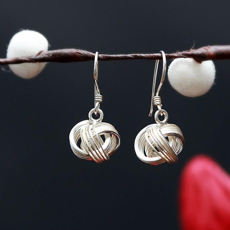 Leuke zilveren oorbellen  http://www.dczilverjuwelier.nl/zilveren_oorbellen