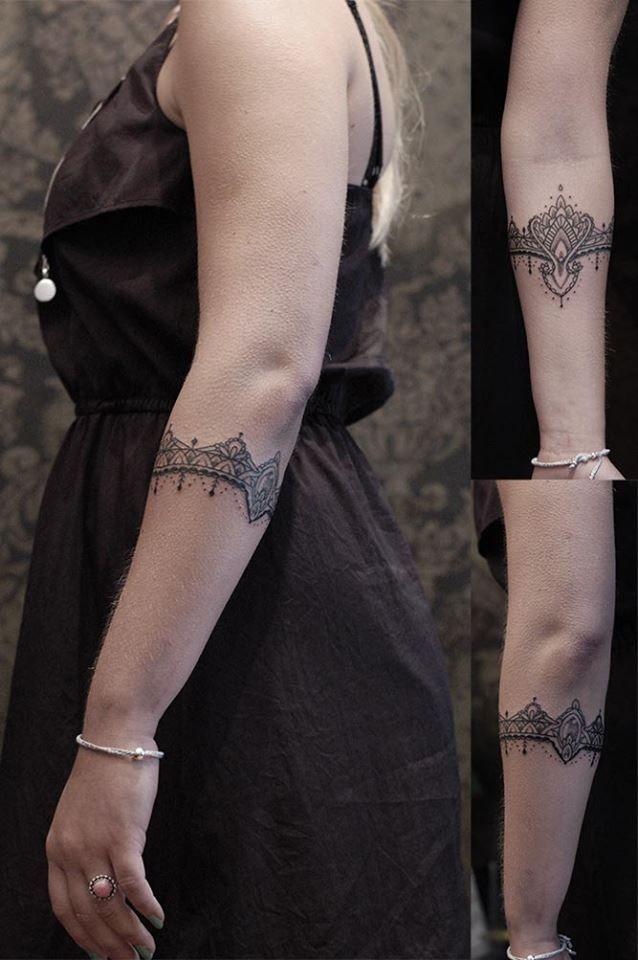 17 best images about tattoo on pinterest tattoo bracelet mandalas and mandala tattoo sleeve. Black Bedroom Furniture Sets. Home Design Ideas