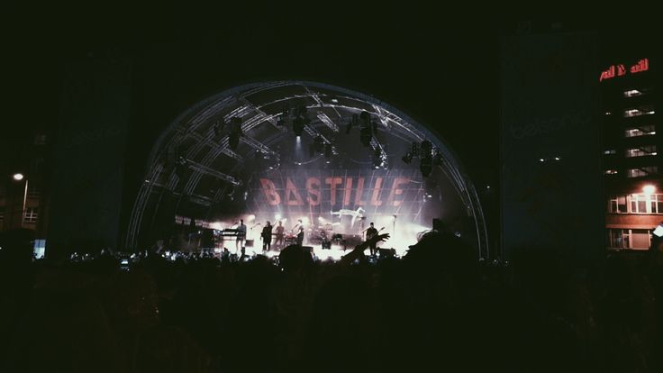 bastille live at reading festival