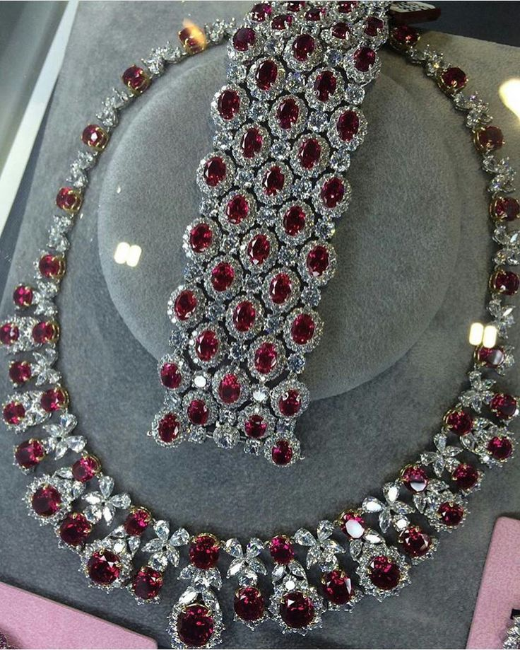 @seventh_pearl Rubies with diamond ❤️❤️! The Fanciest ️