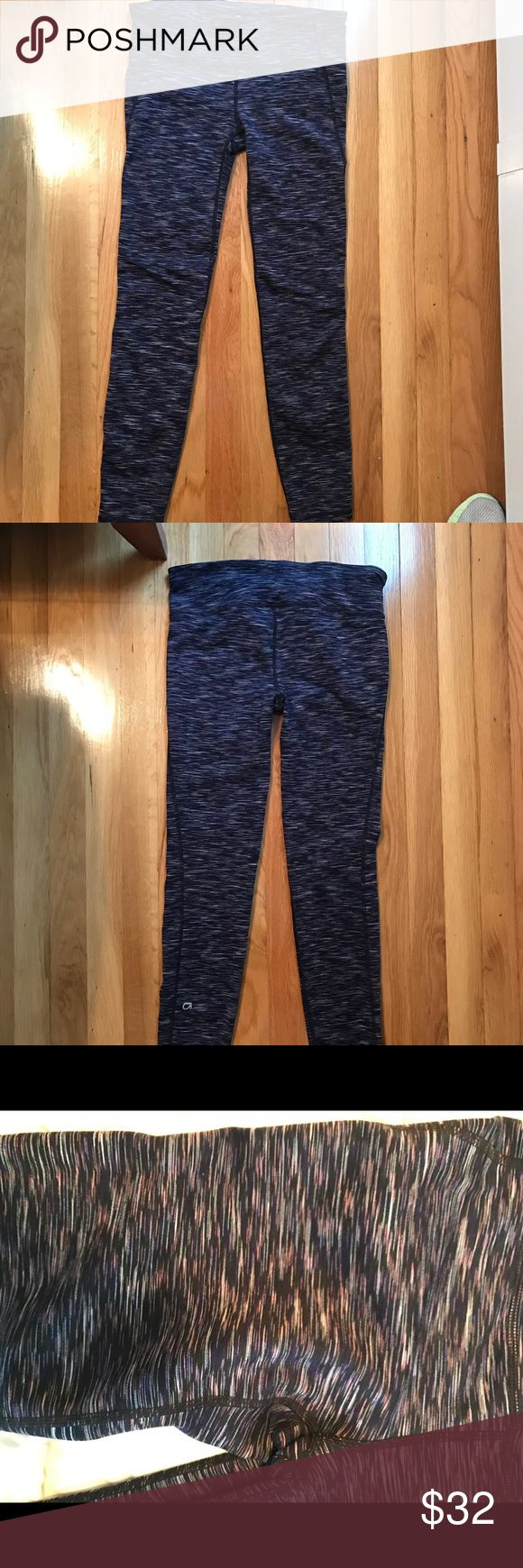 """Gap fit gfast thick legging """"Navy multi"""" color navy/purple/lilac pretty color tone mix. Worn 1-2 times no stains or pilling. Gap brand, size small. GAP Pants Leggings"""