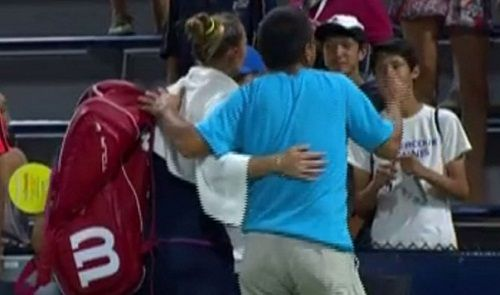 Fan Arressted For Intruding Court to Take Selfie With Kateryna Bondarenko at US Open - http://www.tsmplug.com/tennis/fan-arressted-for-intruding-court-to-take-selfie-with-kateryna-bondarenko-at-us-open/