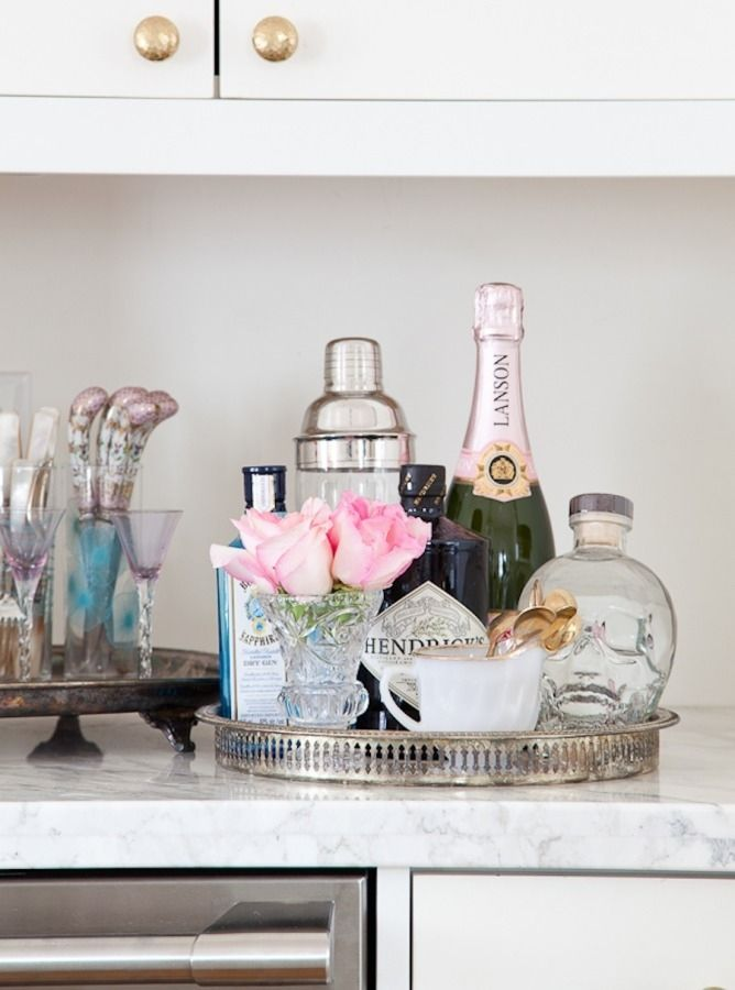 Perfect mini bar decor