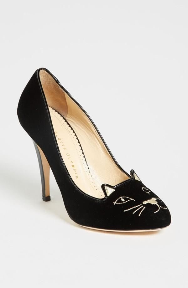 Black Cat Heels I think I would wear these, though, I would prefer it if the heels were a little shorter