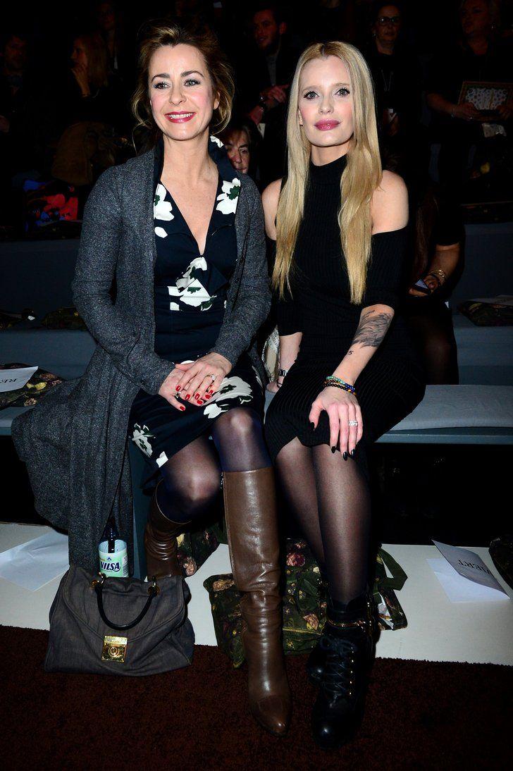 Bettina Cramer und Mirja du Mont bei der Modenschau von Lena Hoschek