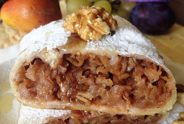 Placinta rulata cu mere si nuci (de post)   Retetele Matildei