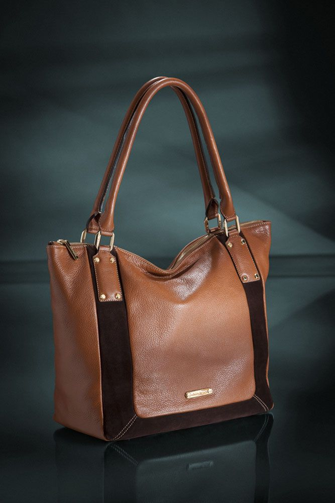 """Soft like silk! This is our new tote with """"Grana naturale"""" leather. Touch it and feel it!  http://shop.arcadiabags.it/"""