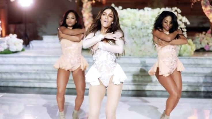 Noiva dança Beyoncé e surpreende a todos! (Melissa Molinaro Wedding Perf...