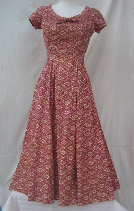 1950's Paisley Batik Print Bohemian Dress. $50.00, via Etsy.
