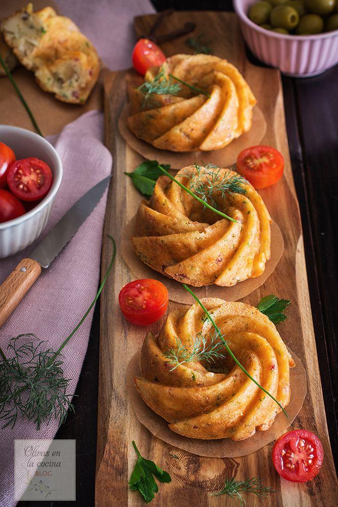 Olivas en la cocina: Mini Bundt Cakes con jamón serrano, queso, cebolla...