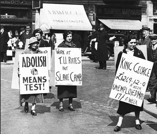 London Protest, 1935 | 12 Powerful Images Of Women In The Labor Movement
