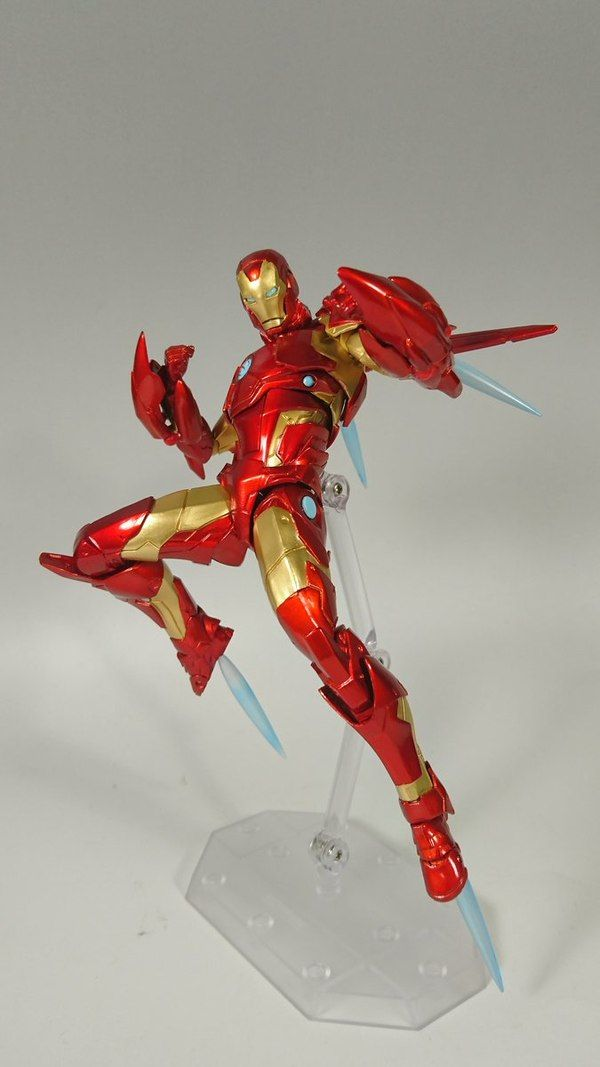Marvel Amazing Yamaguchi Revoltech Bleeding Edge Iron Man Figure In Hand Images Iron Man Marvel Marvel Villains