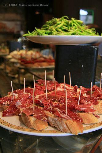 Gastronomia catalana: pa amb tomàquet i pernil >