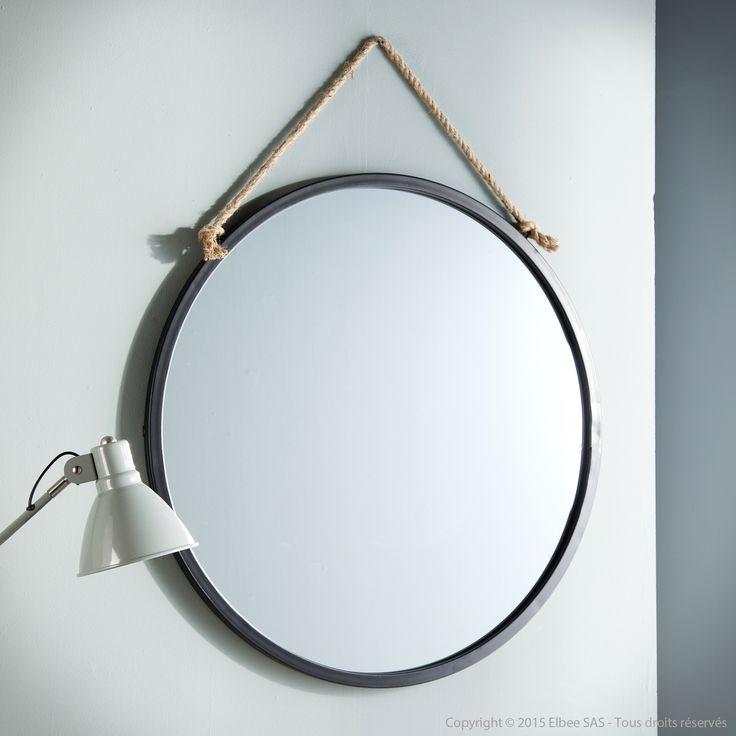 miroir mural rond en m tal noir suspendu par une corde d